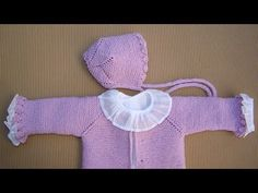 REMATE DE VOLANTE PARA CAPOTA DE BEBÉ - YouTube Baby Cardigan Knitting Pattern Free, Knitted Baby Cardigan, Baby Knitting Patterns, Knitting Stitches, Other Outfits, Knitting For Kids, New Baby Products, Knit Crochet, Ruffle Blouse