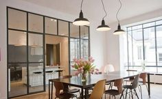An interior glass wall to enlarge the space Interior Architecture, Interior And Exterior, Interior Design, Halls, Sweet Home, Kitchen Interior, Style At Home, Interior Inspiration, Home Kitchens