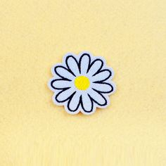 Flower patch - Iron on patch -Sew On patch - Embroidered Patch (Size 5cm x 4.9cm)
