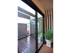 Onocom Design Center  坪庭とつくると北側も明るくなります。