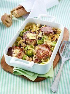 Bei unseren Low Carb Rezepten verzichten wir weitestgehend auf Kartoffeln, Reis, Brot und Nudeln. Ab und zu ein paar Vollkornnudeln oder Wildreis ist erlaubt. Ebenfalls erlaubt: gute Pflanzenfette.