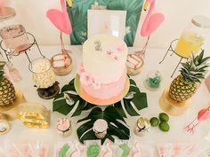 Un gâteau d'anniversaire tropical  http://www.monbebecheri.com/anniversaire-tropical/