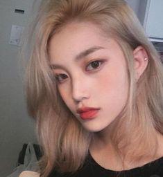 67 trendy hair color korean blonde pins - Top 10 Best Korean Hair Salon in Gardena, CA - Last Updated . Blonde Hair Kpop, Blonde Hair Korean, Brown Blonde Hair, Blonde Hair On Asians, Gold Blonde, Kpop Hair Color, Korean Hair Color, Trendy Hairstyles, Girl Hairstyles