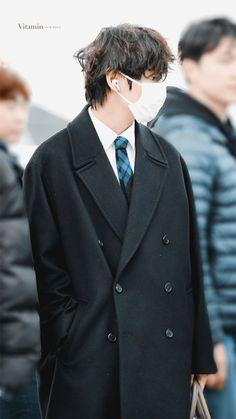 V Taehyung, Bts Jungkook, Seokjin, Hoseok, Korean Haircut, Bts Group Photos, Best Rapper, Bts Pictures, Daegu