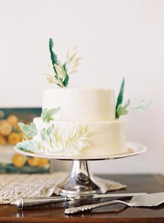 Leaf Inspired Wedding Cake by Lael Cakes | photography by http://www.jenhuangphoto.com/ | floral design by http://sarahwinward.com/ |