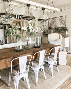 49 Cozy Modern Farmhouse Dining Room Design Ideas - Page 20 of 49 - Best Living Room Farmhouse Dining Room Table, Farmhouse Kitchen Decor, Rustic Farmhouse, Farmhouse Ideas, Country Kitchen, Metal Farmhouse Chairs, Dining Room Table Decor, Bench Decor, Country Dining Rooms
