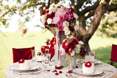 Valentine Table ..simply divine! The ultimate outdoor romantic gesture!