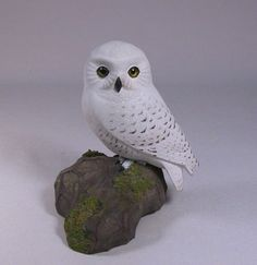 Items similar to 5 inch Snowy Owl Hand Carved Wooden Bird on Etsy Hand Built Pottery, Pottery Art, Carved Wooden Birds, Hand Carved, Bird Of Prey Tattoo, Cumpleaños Harry Potter, Harry Potter Miniatures, Clay Birds, Fondant Animals