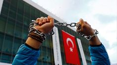 Τουρκία: «Λουκέτα» σε μέσα ενημέρωσης και 10.000 συλλήψεις δημοσίων υπαλλήλων