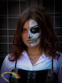 Half Scull  Schminkkoppies Mariëlle Heuft Halloween Face Makeup