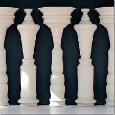 #optical #illusion #columns #men