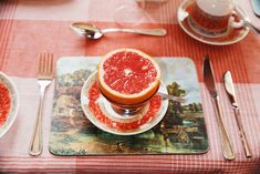 What's for breakfast? Grapefruit By Martin Parr, 2008 Martin Parr, William Eggleston, Documentary Photographers, Great Photographers, Magnum Photos, Mushy Peas, Color Photography, Street Photography, Landscape Photography