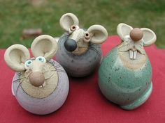 Collectable Miniature Pottery Church Mouse