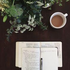 Tea, Coffee, and Books Coffee And Books, Coffee Love, Coffee Break, Coffee Shot, Brown Coffee, Bibel Journal, Pause Café, Study Inspiration, Study Motivation