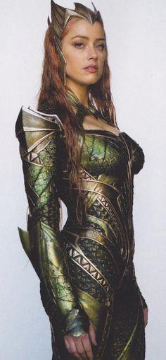 Amber Heard como Mera.