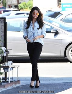 Selena Gomez  Uploads an Interesting Post on Instagram http://icelebz.com/celebs/selena_gomez/photo7.html
