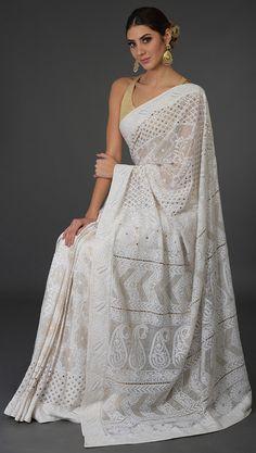 Heirloom Pick Ivory Chikankari With Kamdani Pure Georgette Saree Indian Bridal Fashion, Indian Wedding Outfits, Indian Outfits, Indian Dresses, Trendy Sarees, Stylish Sarees, Fancy Sarees, White Saree Wedding, Wedding Dress