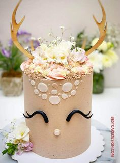 50 Most Beautiful looking Bambi Cake Design that you can make or get it made on the coming birthday. Brithday Cake, Cute Birthday Cakes, Cool Cake Designs, Deer Cakes, Sunflower Cakes, Animal Cakes, Cute Desserts, Just Cakes, Birthday Cakes