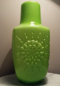 Retro Rare Large Stelvia Lime Green Snowflake Cased Art Glass Vase Wayne Husted