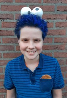 75 kids who absolutely destroyed classmates on crazy hair day Crazy Hair Day Boy, Crazy Hair For Kids, Crazy Hair Day At School, Creative Hairstyles, Boy Hairstyles, Short Hairstyle, Whacky Hair Day, Whoville Hair, Wacky Hair