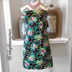 "🌺HP🌺 Laundry by Shelli Segal Dress This beautiful summer print dress is strapless but comes with straps, did not want to open. Beautiful exposed zipper down the back. Bust measures 17""across laying flat & is 26.5"" from armhole to hem. Hips measure 19"" across laying flat.97%algoden, 3%spandex. Machine wash. 🌺HP🌺 Chosen 9/10 by Shannon @smburrelli Best in Dresses & Skirts🎉 Laundry by Shelli Segal Dresses"