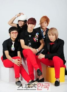 FT ISLAND Choi Jong-hoon, Lee Hongki ,Lee Jae jin, Song Seung-hyun, and Choi Min-hwan. Come visit kpopcity.net for the largest discount fashion store in the world!!