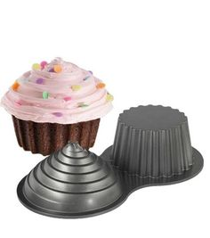 Create a super-sized cupcake for a fun birthday celebration, using the Wilton Dimensions Large Cupcake Pan. This cupcake pan is made of cast aluminum and comes with a heat-reflective exterior and non-
