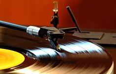 Last Shop Standing. Un documentario sugli ultimi negozi di dischi.  Graham Jones racconta in un libro e in un film la storia delle botteghe indipendenti. Un percorso che va dal vinile al cd e fino al download.