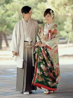 22bc0f179e Different Cultures - WEDDINGS  Japanese wedding in traditional clothes Kimono  Japan
