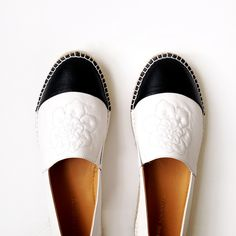 New season, New shoes! #annefontaine #shoes #espadrilles #black #white #flower #spring #summer #french #fashion #designer #women #beautiful