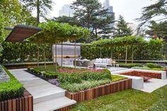 On a le plaisir de vous présenter un aménagement extérieur, le fruit de travail d`un designer d`extérieur australien- Nathan Burkett. Installez-vous confort