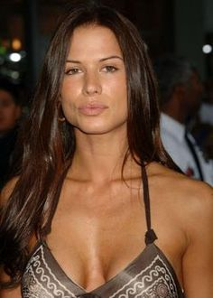 Rhona Mitra (born: August Paddington, London, United Kingdom) is an English actress, model and singer. Mitra began her career as a model. She came to prominence as the Lara Croft model between 1997 and English Actresses, Actors & Actresses, Lara Croft Model, Amazing Women, Beautiful Women, Non Blondes, 54 Kg, Thing 1, Famous Girls