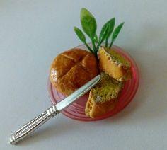 Miniature bread!