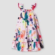 This Toddler Girls' A Line Dress from Cat & Jack is the definition of summer. With a bright tropical print and a festive silhouette, this toddler maxi dress is perfect for sunny days. Plus, it's all guaranteed. Cat & Jack is made to last, but if anything doesn't, you can return it up to 1 year later with your receipt.