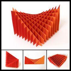 Outra Sliceform como se encontra no livro usado na sala de aula... SHARP, John, Sliceforms, Mathematical models from paper sections, Tarquin Publications, England,2000. (Sliceform by tekuila, via Flickr)