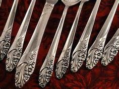 Search Oneida community silver cutlery. Views 15292.