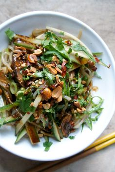 A mixture of cooling cucumber and ferocious, peppery heat, this Sichuan-inspired shirataki noodle salad recipe is a dish to remember. Veggie Recipes, Asian Recipes, Vegetarian Recipes, Dinner Recipes, Healthy Recipes, Ethnic Recipes, Healthy Meals, Vegan Japanese Food, Paleo