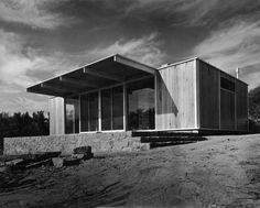 mid century house by Chancellor & Patrick