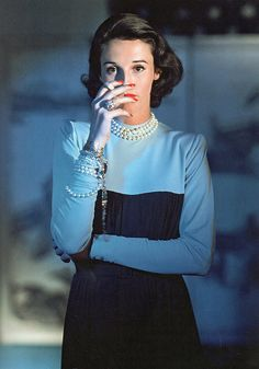 "Babe Paley was an American socialite and style icon. ""Babe Paley had only one flaw: she was perfect. Other than that, she was perfect"",. Valentino, Carolina Herrera, Katharine Hepburn, Audrey Hepburn, Slim Keith, Vintage Beauty, Vintage Fashion, Vintage Glamour, Karl Lagerfeld"