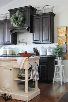 Project Goals of 2014 - The Wood Grain Cottage----love the dark cabinets.
