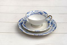 Vintage 1950s Teacup and Saucer Trio Set - Blue and White Deco on Etsy, 19,73 €