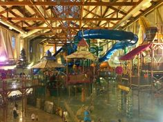 Family Travel Magazine reviewed The Great Wolf Lodge in the #PoconoMtns!