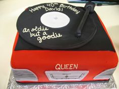 Record player cake - www.KellysCakery.com