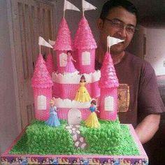 Torta castillo princesas disney.