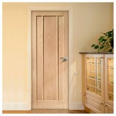 Bespoke Worcester Oak 3 Panel Door. #interiordoors #bespokedoors #madetoorderdoors