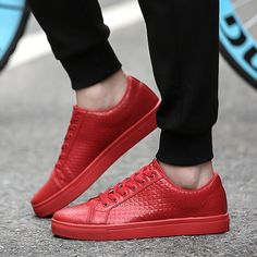 関連画像 Sneaker Outfits, Red Sneakers Outfit, Shoes, Fashion, Men, Red Trainers, Moda, Zapatos, Shoes Outlet