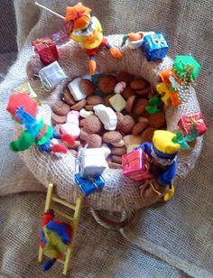 Pietjes vissen naar pepernoten Food Crafts, Diy And Crafts, Felt Patterns, Holiday Crafts, Projects To Try, December, Santa, Seasons, Birthday