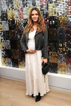 Jessica Alba Cradles Her Baby Bump at Rebecca Minkoff's NYFW Show!: Photo Jessica Alba is totally glowing! The actress cradled her baby bump while attending the Rebecca Minkoff presentation during 2017 New York Fashion Week… Celebrity Maternity Style, Celebrity Look, Maternity Fashion, Maternity Styles, Maternity Swimwear, Maternity Clothing, Chic Maternity, Maternity Outfits, Maternity Photos