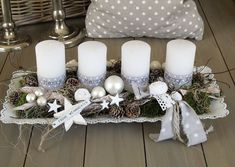 Adventskranz im shabby-Style ★Ganz in weiß ★ Die längliche weiße Metallsc… Advent wreath in the shabby style ★ All in white ★ The elongated white [. Rose Gold Christmas Decorations, Christmas Advent Wreath, Christmas Candles, Christmas Centerpieces, Xmas Decorations, Christmas Time, Deco Table Noel, Christmas Preparation, 242