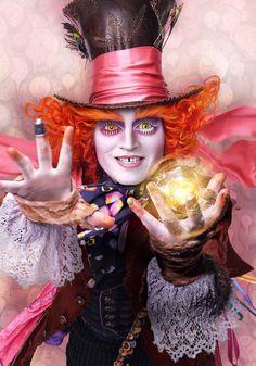 """Disney divulga cinco cartazes maravilhosos dos personagens de """"Alice Através do Espelho""""! - Eu Devito"""